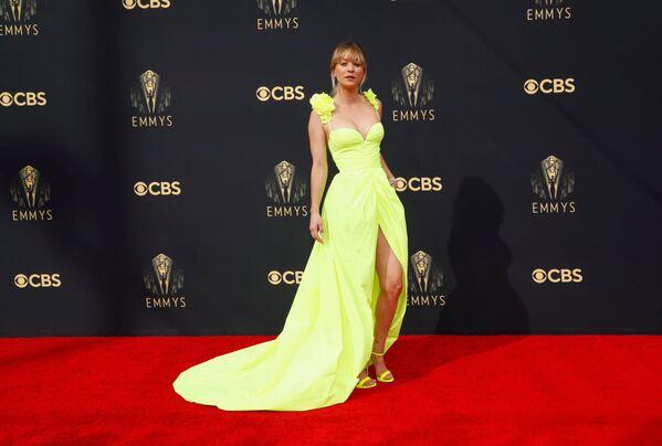 Η ηθοποιός του «Big Bang Theory», Κέιλι Κουόκο, φόρεσε Vera Wang. - Sputnik Ελλάδα