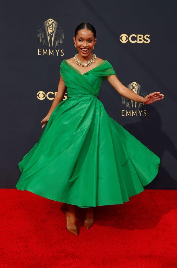 Η Yara Shahidi με φόρεμα Dior. - Sputnik Ελλάδα