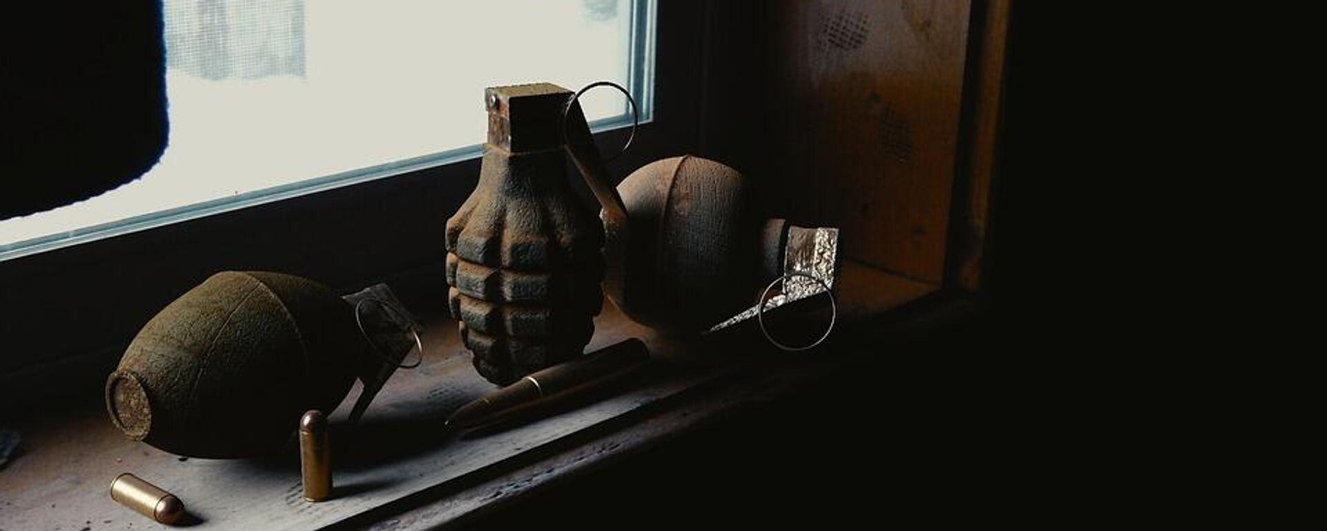 Χειροβομβίδες και σφαίρες - Sputnik Ελλάδα, 1920, 21.09.2021
