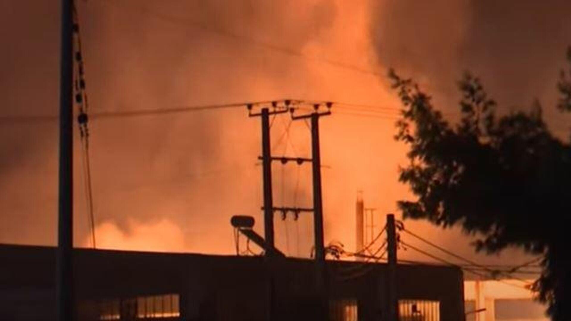 Μεγάλη φωτιά σε εργοστάσιο στον Ασπρόπυργο - Sputnik Ελλάδα, 1920, 22.09.2021