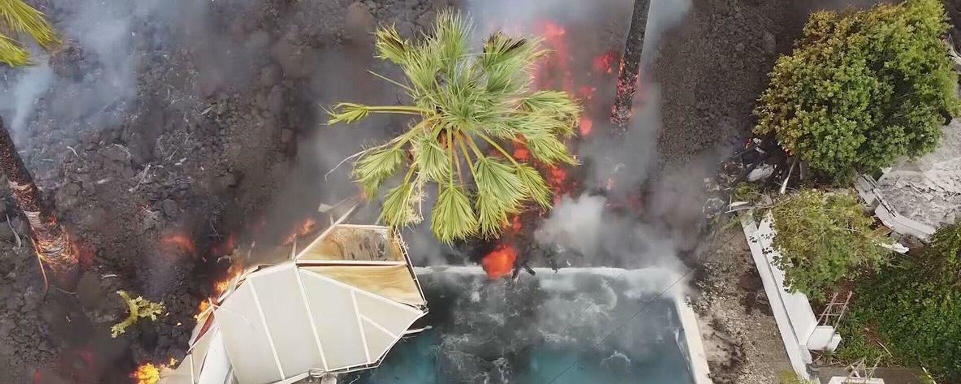 Το ποτάμι της φωτιάς: Λάβα καταπίνει πισίνες και σπίτια στη Λα Πάλμα - Sputnik Ελλάδα, 1920, 22.09.2021