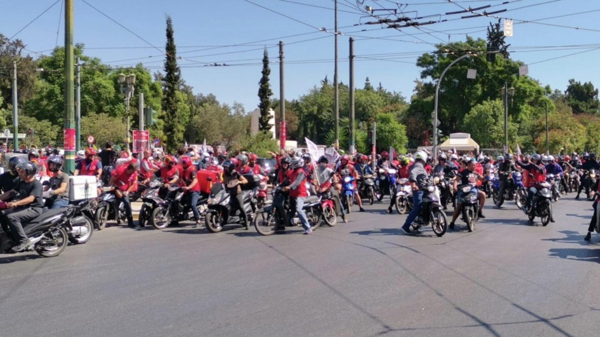 Διαμαρτυρία ντελίβερι με μηχανάκια και πανό στο κέντρο της Αθήνας - Sputnik Ελλάδα, 1920, 24.09.2021