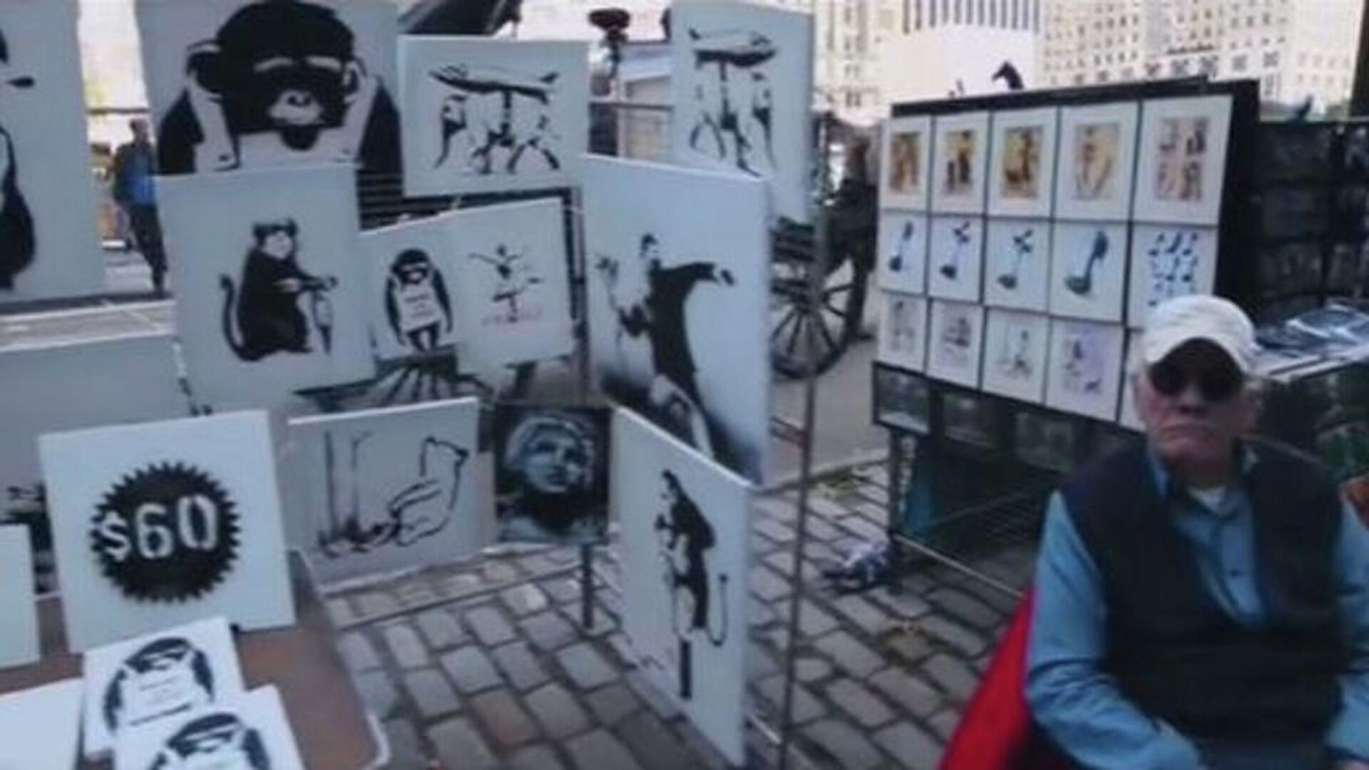 Η μέρα που ο Banksy πούλαγε αυθεντικά έργα του στον δρόμο και δεν αγόραζε κανείς - Sputnik Ελλάδα, 1920, 25.09.2021