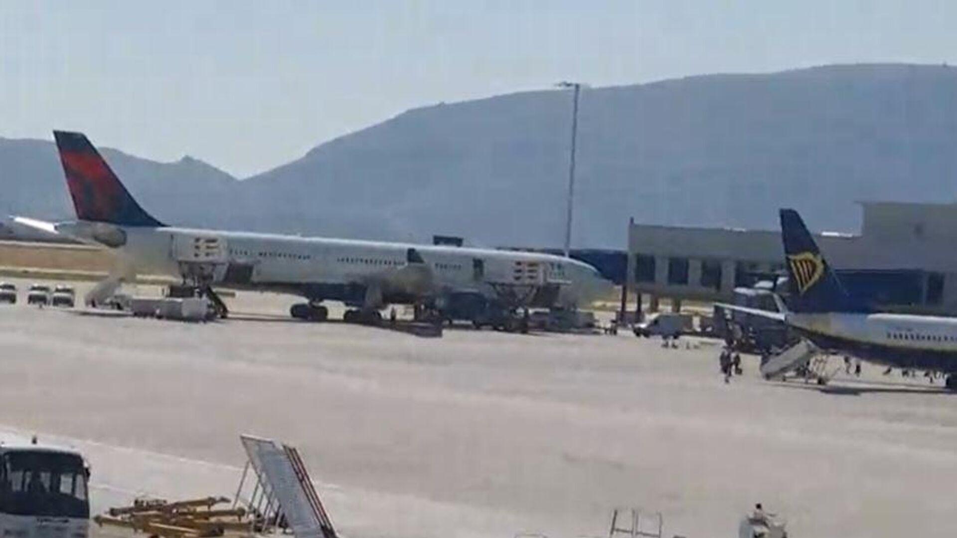 Το αεροσκάφος που προχώρησε σε αναγκαστική προσγείωση στο Ελ. Βενιζέλος - Sputnik Ελλάδα, 1920, 26.09.2021