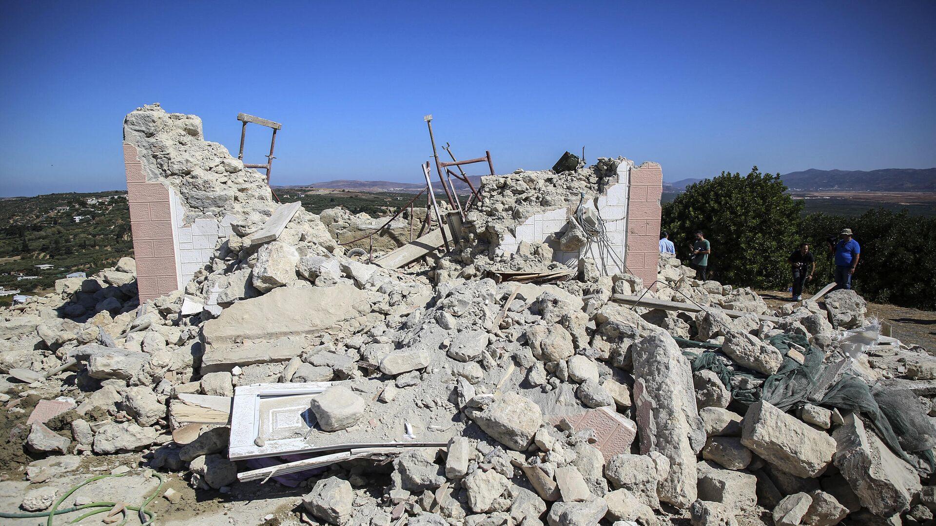 Συντρίμμια στο Αρκαλοχώρι μετά τον σεισμό των 5,8 Ρίχτερ - Sputnik Ελλάδα, 1920, 27.09.2021