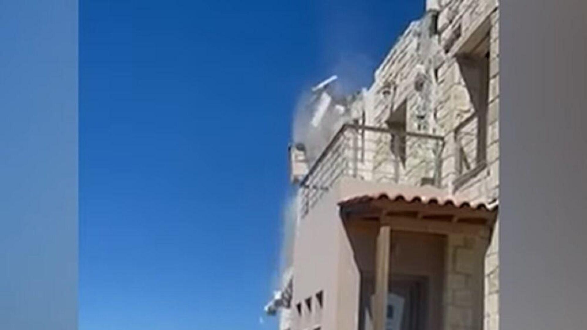 Σεισμός στην Κρήτη: Κατάρρευση στέγης - Sputnik Ελλάδα, 1920, 27.09.2021