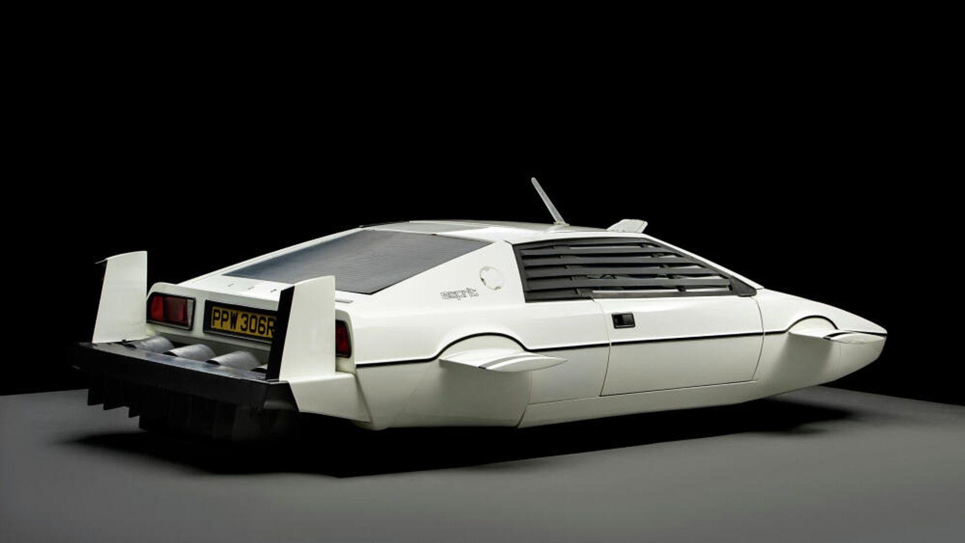 Μια Lotus Esprit S1 του 1977 όπως εμφανίστηκε στην ταινία Τζέιμς Μποντ: Η Κατάσκοπος που με Αγάπησε - Sputnik Ελλάδα, 1920, 07.10.2021