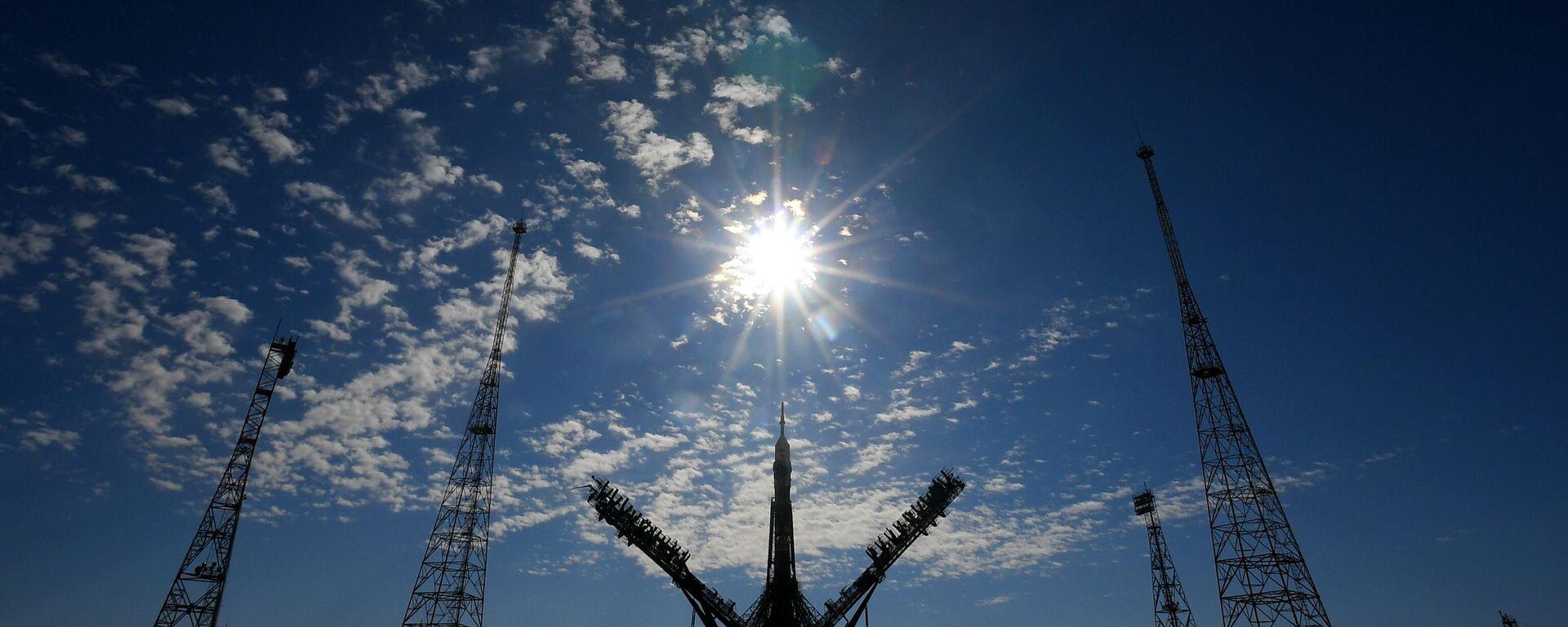 Ο πύραυλος Soyuz-2.1a ετοιμάζεται για εκτόξευση - Sputnik Ελλάδα, 1920, 07.10.2021