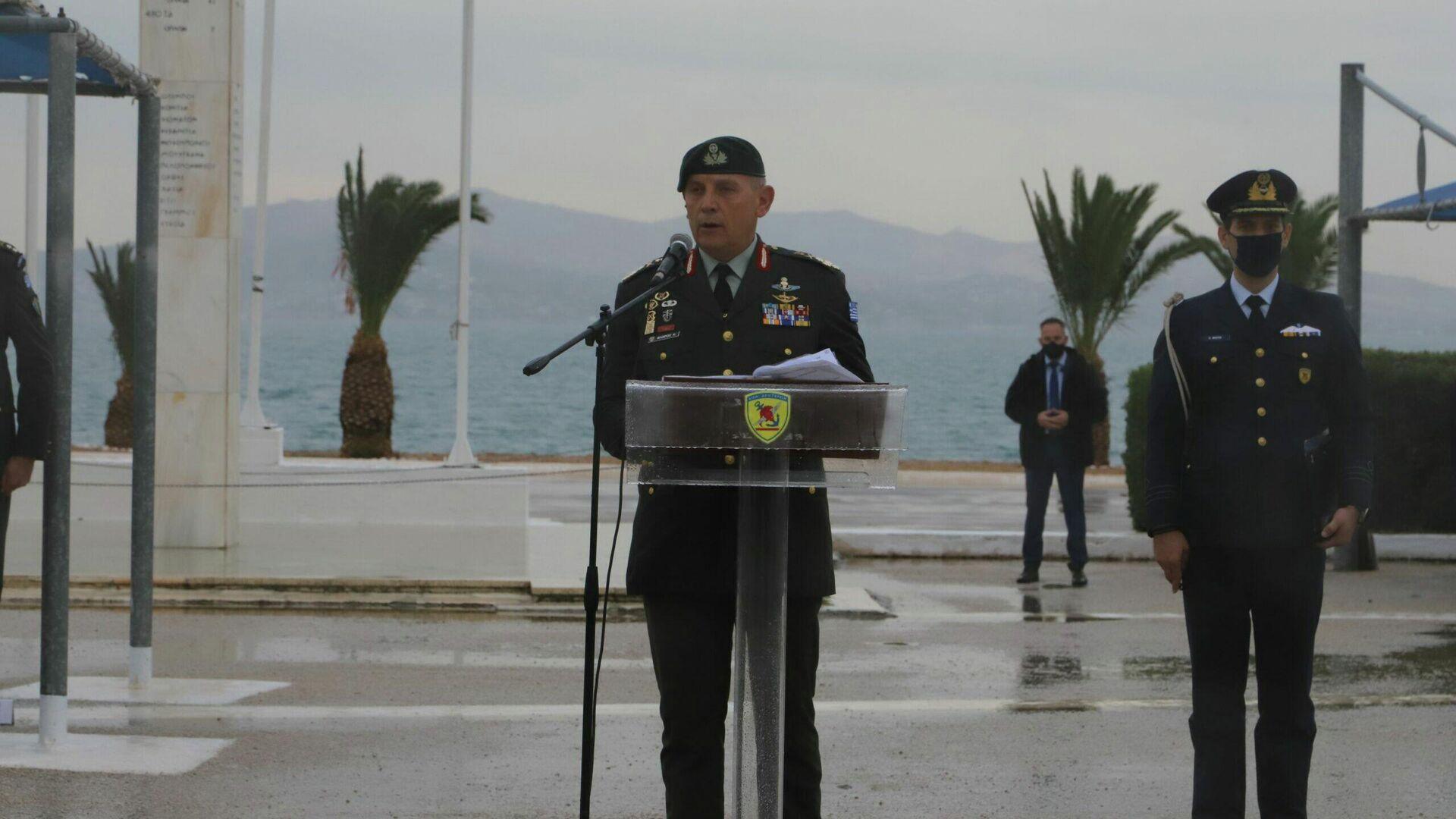 Στη βροχή στάθηκε ο Αρχηγός ΓΕΕΘΑ στην ορκωμοσία των ΕΠΟΠ - Sputnik Ελλάδα, 1920, 11.10.2021