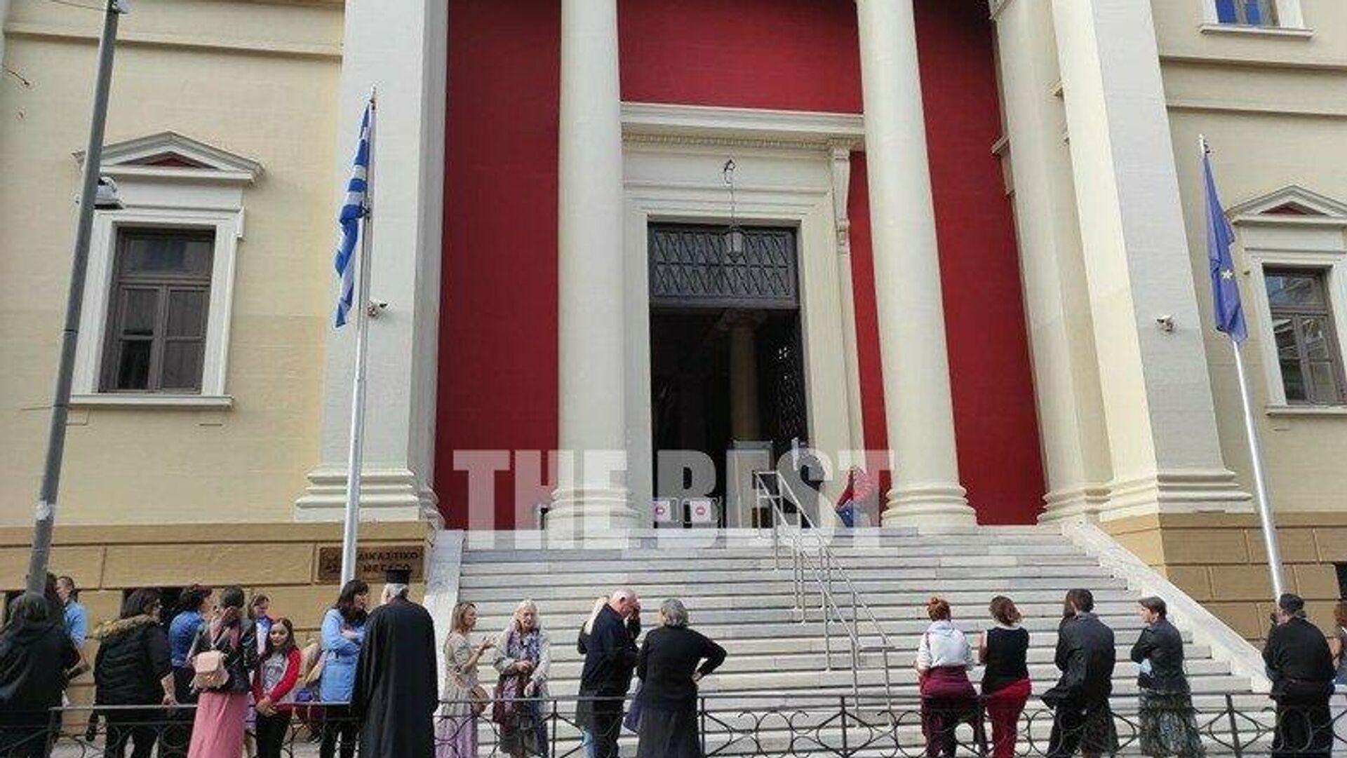 Πάτρα: Σε δίκη ιερέας γιατί λειτούργησε εκκλησία εν μέσω καραντίνας - Sputnik Ελλάδα, 1920, 11.10.2021