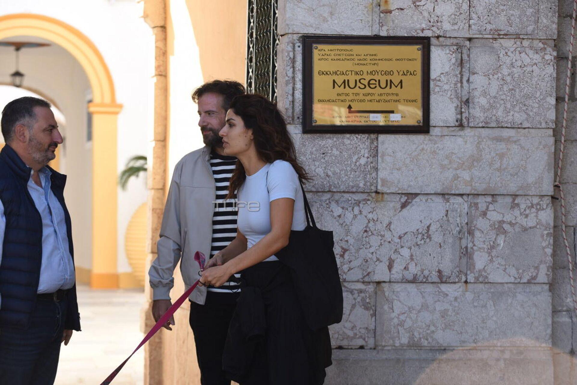 Τόνια Σωτηροπούλου και Κωστής Μαραβέγιας κάνουν βόλτα μετά τον γάμο τους - Sputnik Ελλάδα, 1920, 12.10.2021