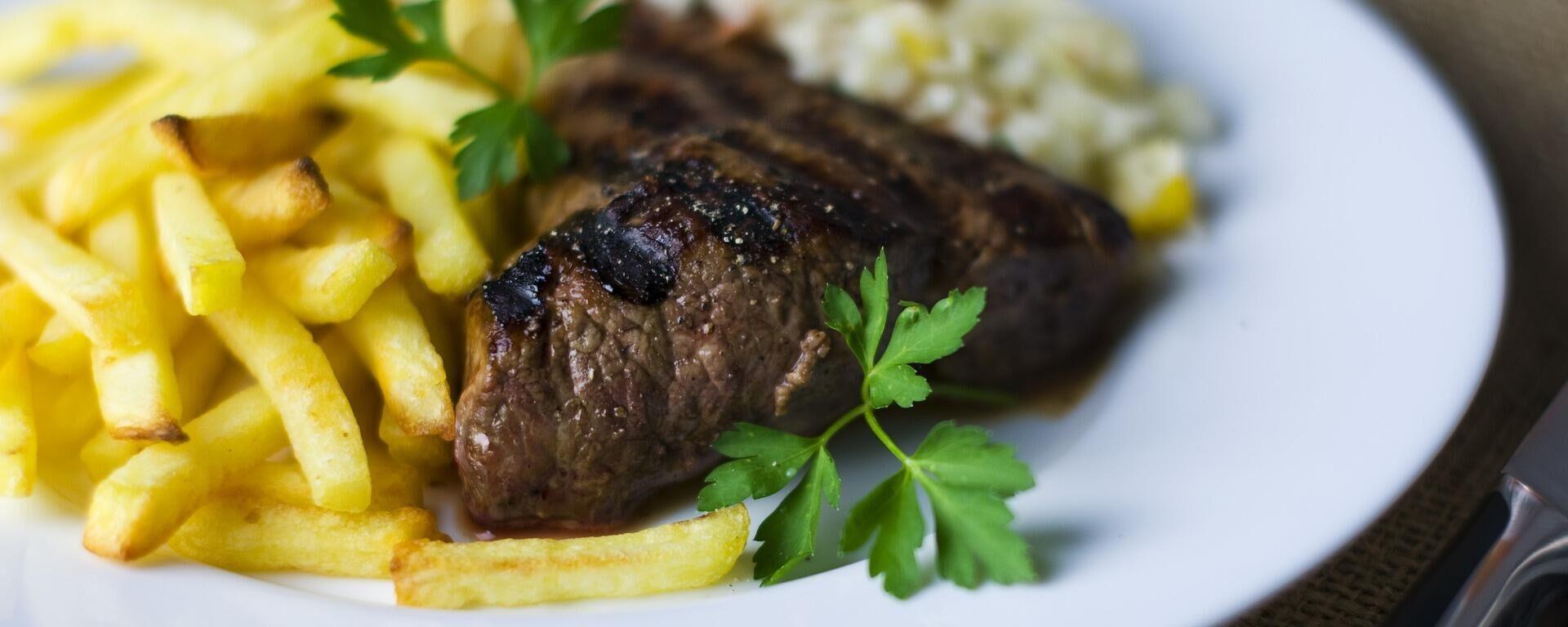 Κρέας με πατάτες - Sputnik Ελλάδα, 1920, 14.10.2021