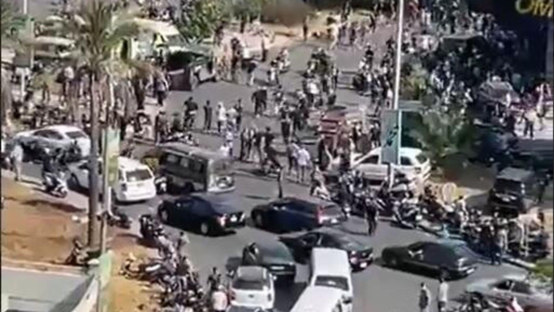 Συναγερμός στη Βηρυτό: Εκρήξεις και πυροβολισμοί - Sputnik Ελλάδα, 1920, 14.10.2021