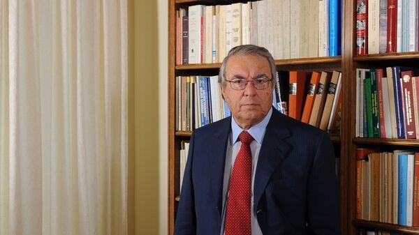Ο καθηγητής Γλωσσολογίας, Γιώργος Μπαμπινιώτης - Sputnik Ελλάδα