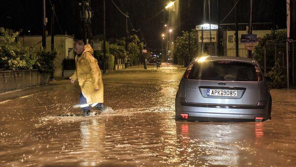 Εικόνες καταστροφής στην Κορινθία από την κακοκαιρία. - Sputnik Ελλάδα