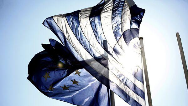 Σημαίες Ελλάδας και Ευρωπαϊκής Ένωσης - Sputnik Ελλάδα
