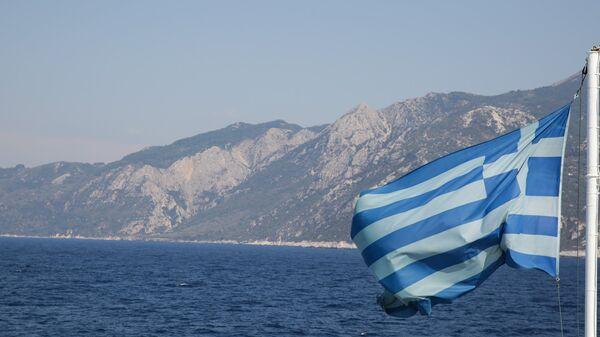 Ελληνική σημαία στη θάλασσα - Sputnik Ελλάδα