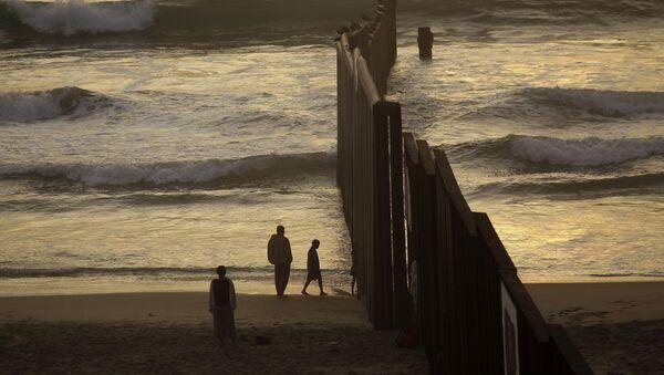 Τα σύνορα ανάμεσα στις ΗΠΑ και το Μεξικό - Sputnik Ελλάδα