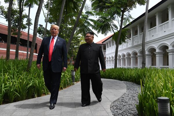 Συνάντηση του προέδρου των ΗΠΑ, Ντόναλντ Τραμπ, με τον ηγέτη της Βόρειας Κορέας, Κιμ Γιονγκ Ουν - Sputnik Ελλάδα