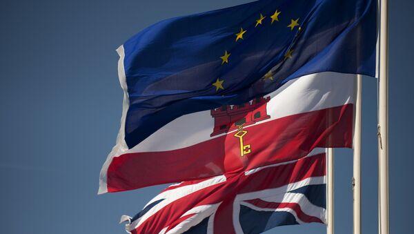 Οι σημαίες της Βρετανίας, του Γιβραλτάρ και της ΕΕ - Sputnik Ελλάδα