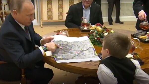 Ο Βλαντίμιρ Πούτιν κάνει πραγματικότητα το όνειρο ενός αγοριού - Sputnik Ελλάδα