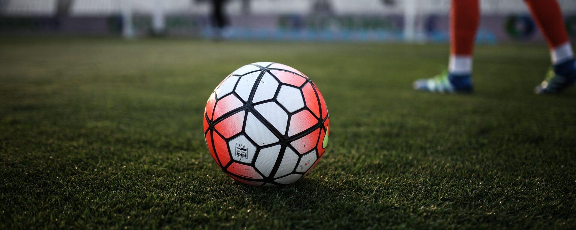 Μπάλα ποδοσφαίρου 2018 - Sputnik Ελλάδα, 1920, 21.09.2021