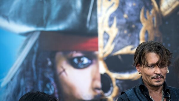 O Τζόνι Ντεπ στην πρεμιέρα των Πειρατών της Καραϊβικής όπου ενσαρκώνει τον Τζακ Σπάροου - Sputnik Ελλάδα