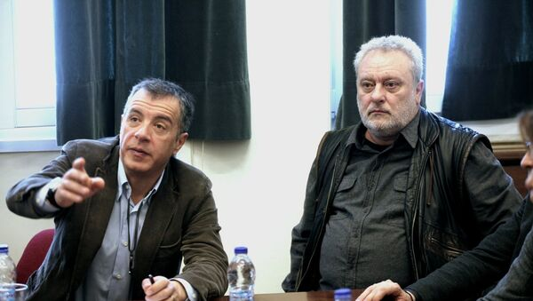 Ο Σταύρος Θεοδωράκης και ο Γρηγόρης Ψαριανός - Sputnik Ελλάδα