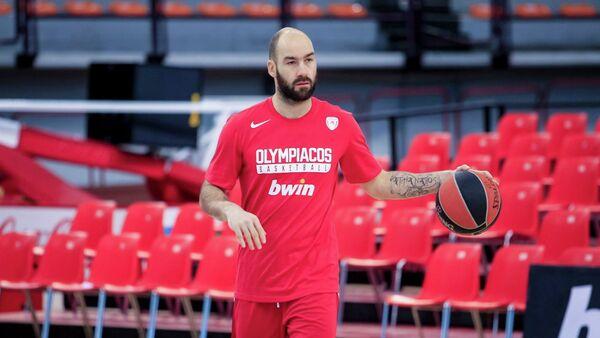 Ο Βασίλης Σπανούλης στην προπόνηση του Ολυμπιακού στο ΣΕΦ - Sputnik Ελλάδα