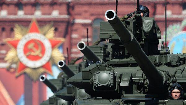 Άρματα μάχης T-90A στην Κόκκινη Πλατεία - Sputnik Ελλάδα