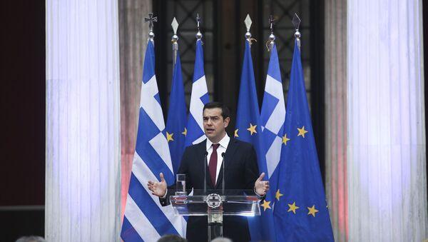 Ο Αλέξης Τσίπρας με γραβάτα. - Sputnik Ελλάδα