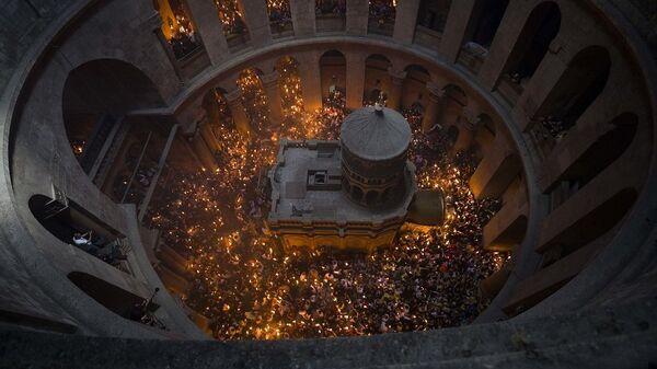 Τελετή αφής Αγίου Φωτός στα Ιεροσόλυμα - Sputnik Ελλάδα