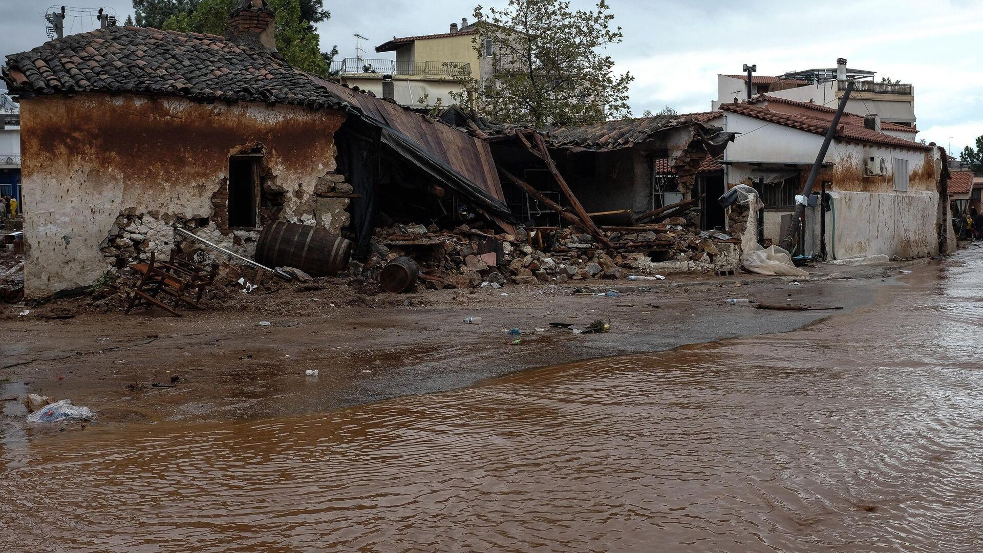 Εικόνα από την πλημμύρα στη Μάνδρα το 2017 - Sputnik Ελλάδα, 1920, 10.10.2021