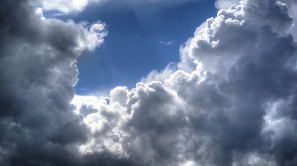 Σύννεφα και ήλιος - Sputnik Ελλάδα