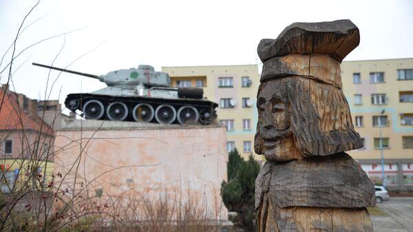 Μνημείο στη μνήμη των στρατιωτών που σκοτώθηκαν το 1945 - Sputnik Ελλάδα