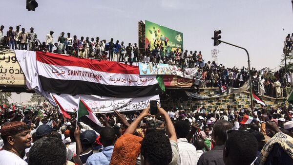 Διαδηλωτές στο Χαρτούμ του Σουδάν - Sputnik Ελλάδα