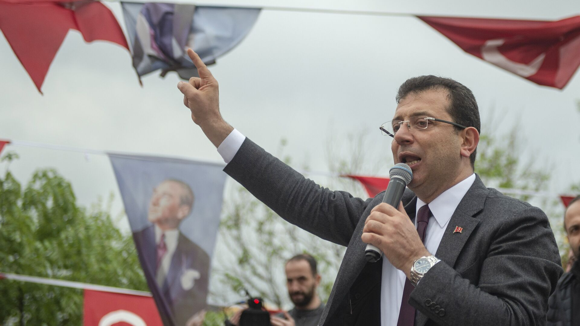 Ο υποψήφιος του Ρεπουμπλικανικού Λαϊκού Κόμματος (CHP) Εκρέμ Ιμάμογλου. - Sputnik Ελλάδα, 1920, 20.09.2021