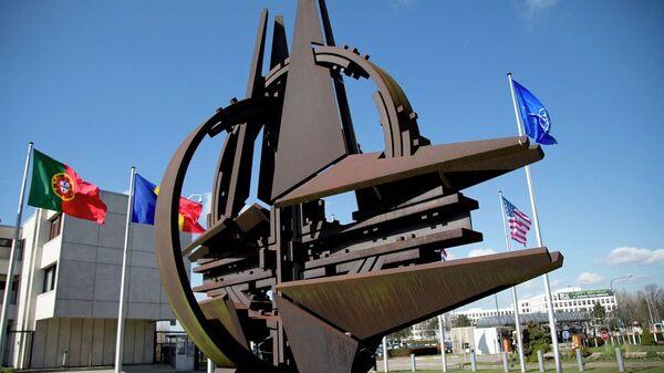 Το σύμβολο του ΝΑΤΟ - Sputnik Ελλάδα