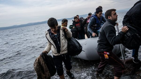 Αφίξεις μεταναστών και προσφύγων στη Λέσβο - Sputnik Ελλάδα