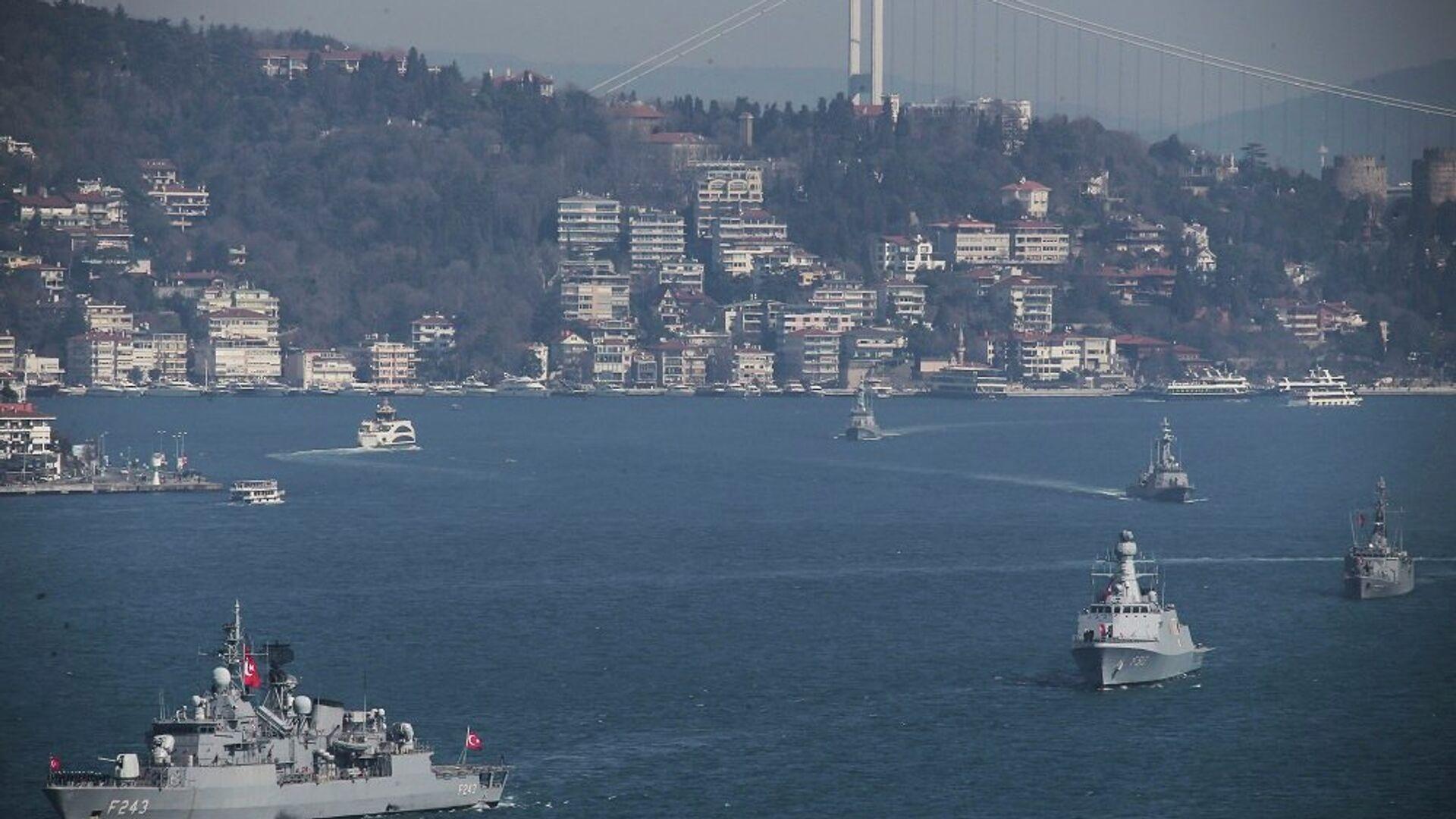 Πλοία του τουρκικού πολεμικού ναυτικού διασχίζουν τον Βόσπορο για την άσκηση «Γαλάζια Πατρίδα» - Sputnik Ελλάδα, 1920, 29.07.2021