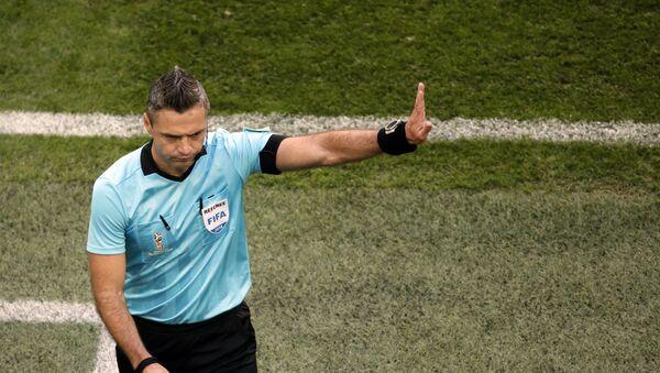 Ο Σλοβένος διαιτητής του φετινού τελικού του Champions League, Νταμίρ Σκόμινα - Sputnik Ελλάδα