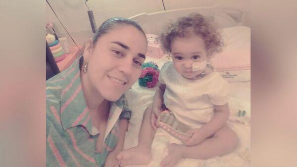 Κορίτσι από τη Βενεζουέλα δεν μπορεί να υποβληθεί σε μεταμόσχευση ήπατος λόγω των κυρώσεων των ΗΠΑ - Sputnik Ελλάδα