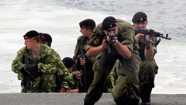 Ρώσοι στρατιώτες κατά τη διάρκεια παρουσίασης - Sputnik Ελλάδα
