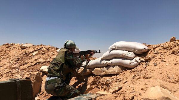 Στρατιώτης του Συριακού στρατού στην επαρχία Χομς - Sputnik Ελλάδα