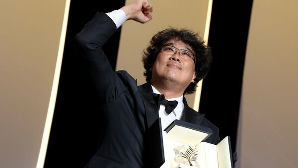 Ο νικητής του Χρυσού Φοίνικα στο Φεστιβάλ των Καννών, Τζουν Χο Μπονγκ - Sputnik Ελλάδα