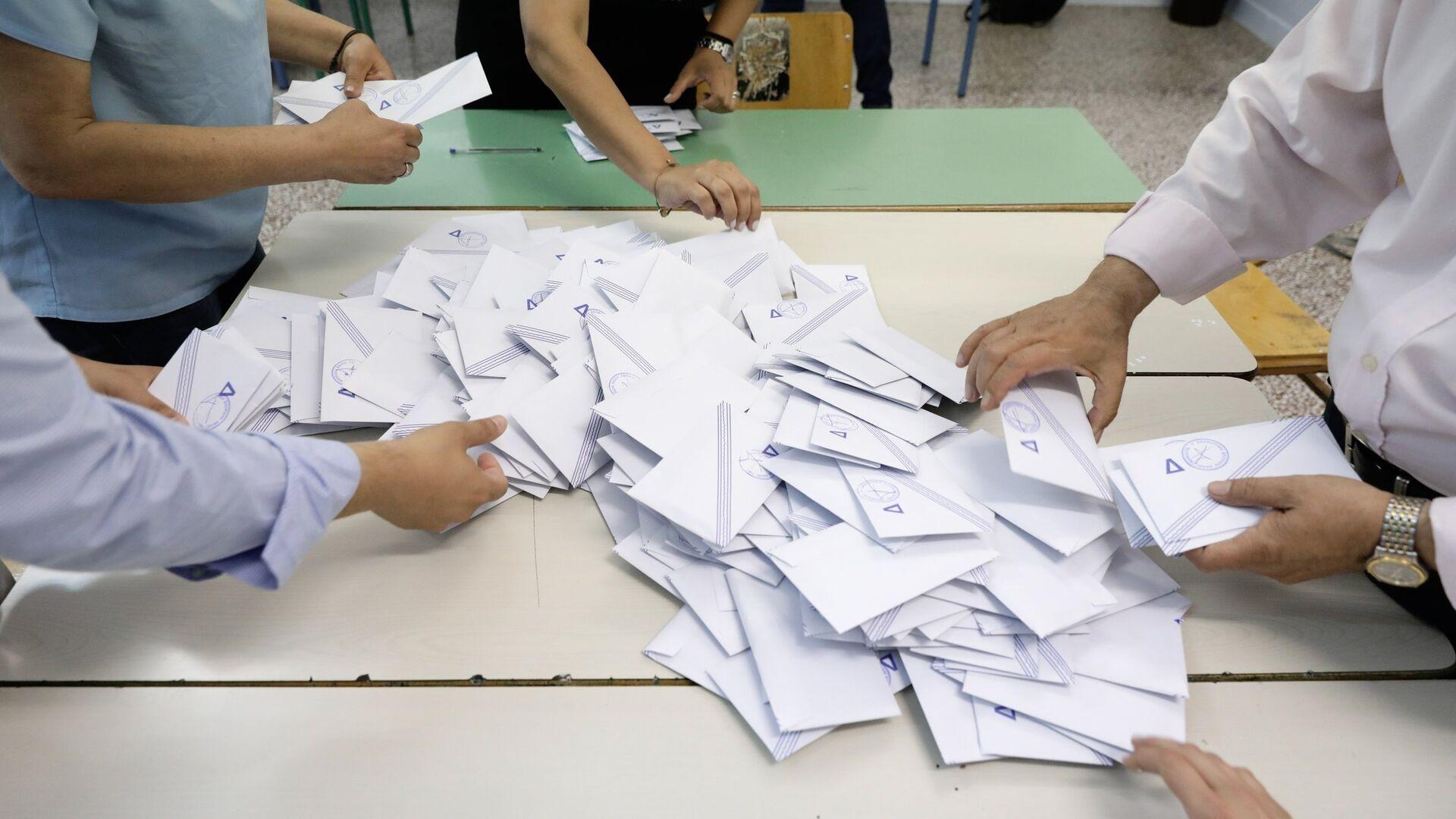 Καταμέτρηση ψήφων μετά το πέρας της εκλογικής διαδικασίας, Μάιος 2019 - Sputnik Ελλάδα, 1920, 17.09.2021