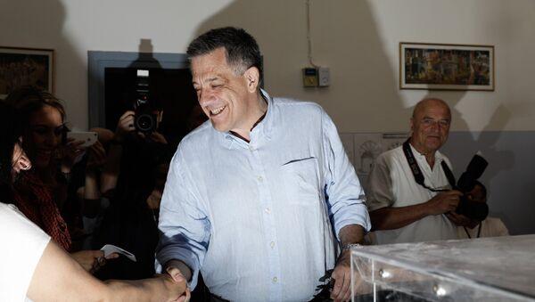 Ο Υποψήφιος δήμαρχος Θεσσαλονίκης της Νέας Δημοκρατίας, Νίκος Ταχιάος, ψηφίζει για τον δεύτερο γύρο τον Δημοτικών Εκλογών, Θεσσαλονίκη - Sputnik Ελλάδα
