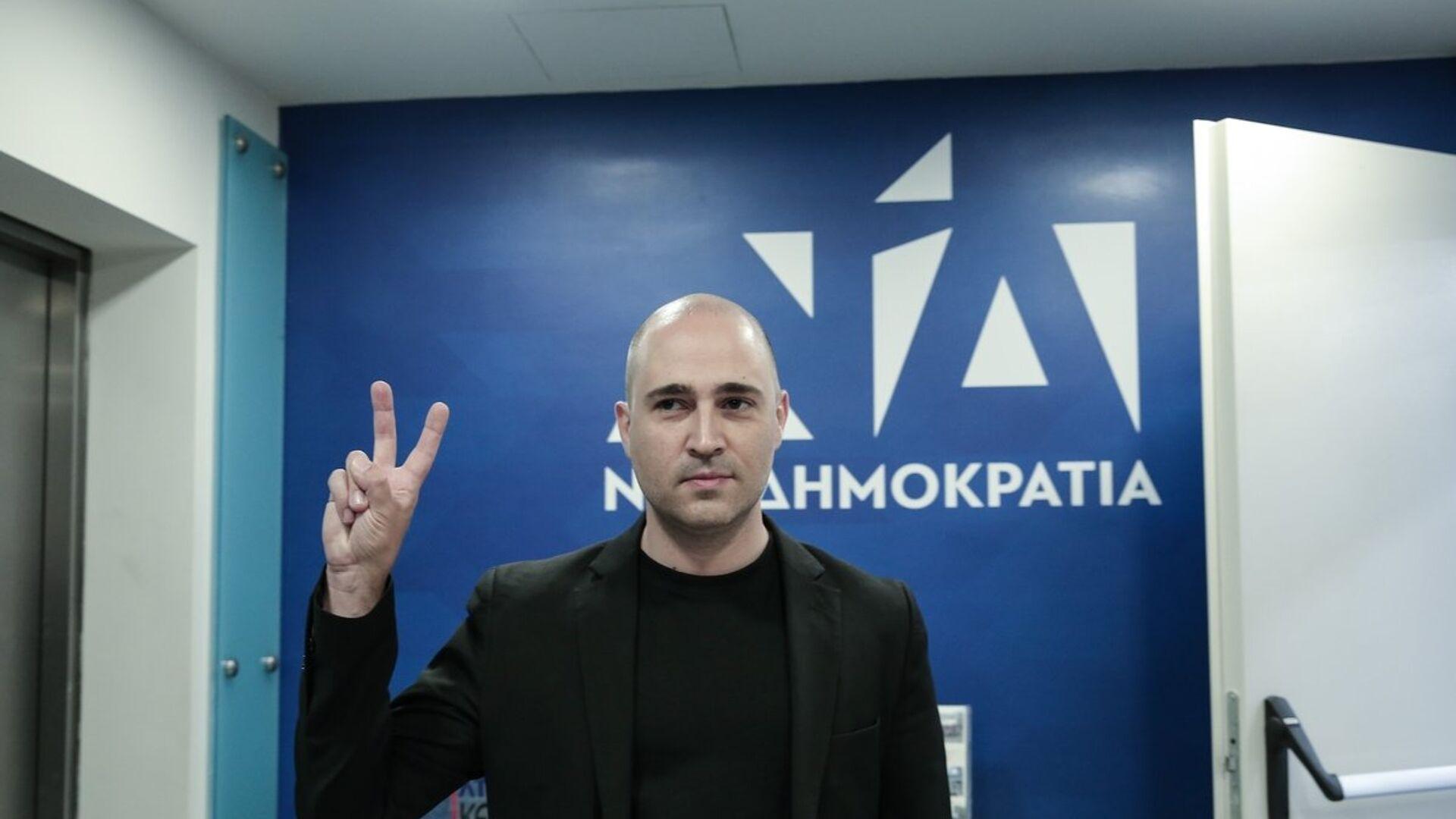 Ο Κωνσταντίνος Μπογδάνος στα γραφεία της Νέας Δημοκρατίας μετά τον δεύτερο γύρο των αυτοδιοικητικών εκλογών - Sputnik Ελλάδα, 1920, 07.10.2021