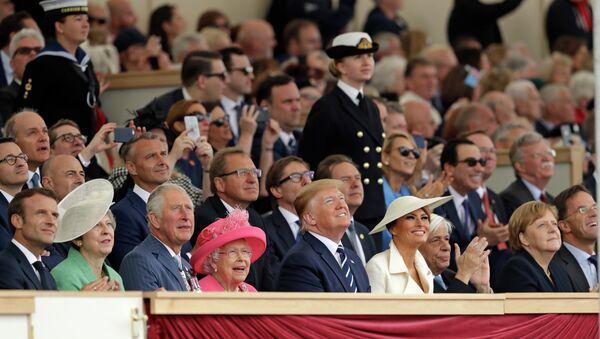 Τραμπ, βασίλισσα Ελισάβετ, Μέρκελ, Μακρόν, Τριντό, και Προκόπης Παυλόπουλος στη Μεγάλη Βρετανία, για την 75η επέτειο της απόβασης των συμμαχικών δυνάμεων στη γαλλική Νορμανδία - Sputnik Ελλάδα