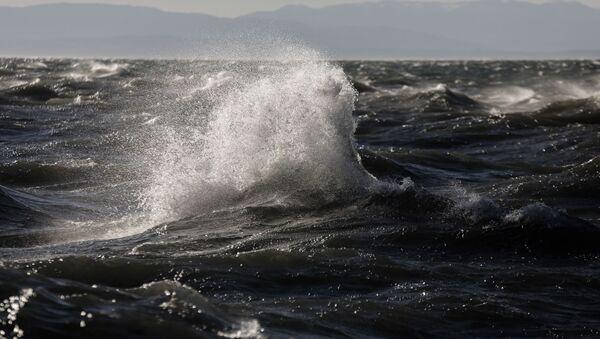 Φουρτουνιασμένος ο Θερμαϊκός λόγω των ισχυρών ανέμων που πνέουν στην Θεσσαλονίκη. - Sputnik Ελλάδα